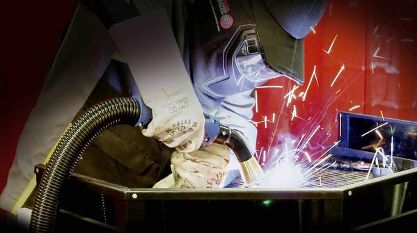 Fume-Extraction-Gun-Welding-Down-Position