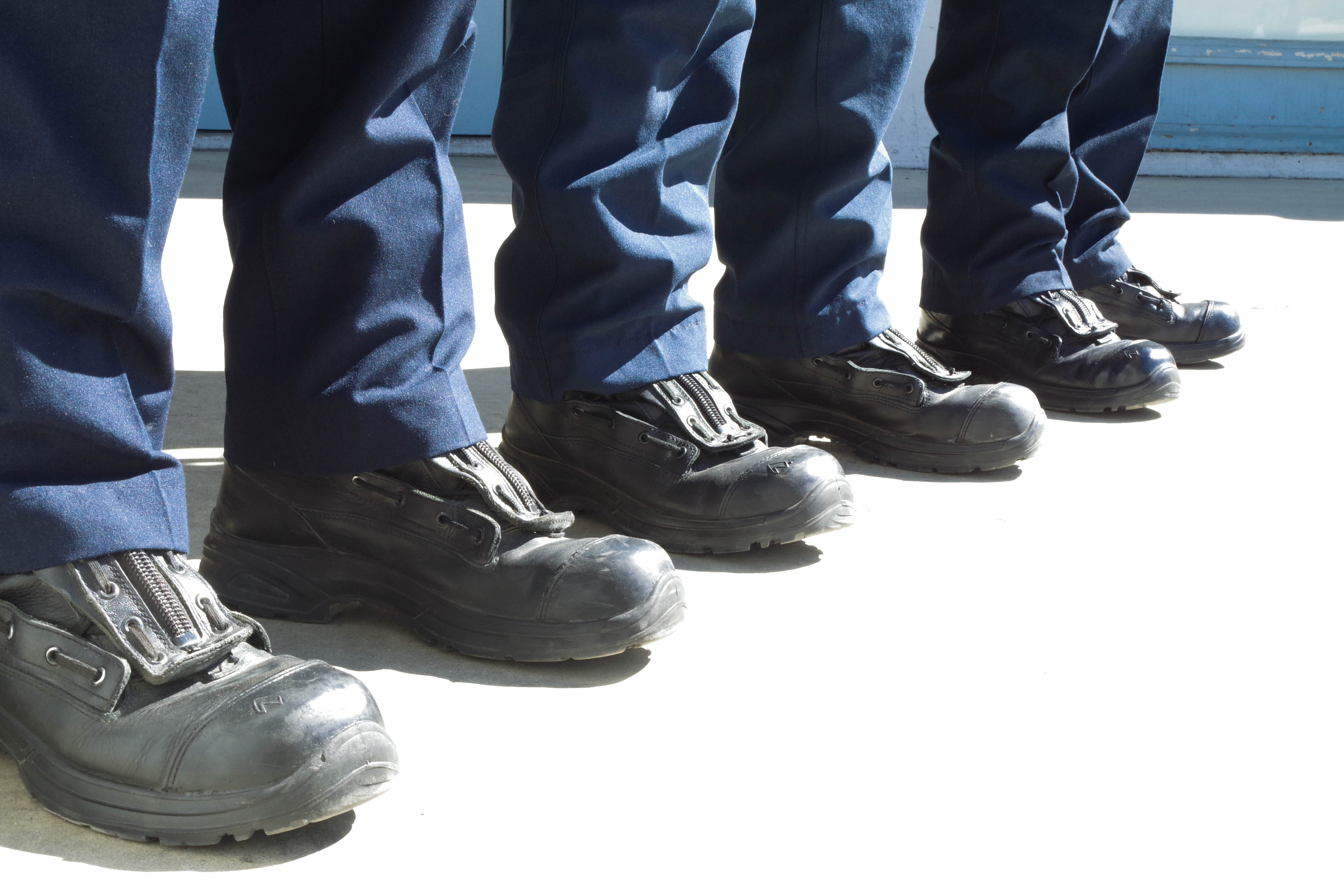 shoe-leather-boot-leg-spring-fire-station-1286748-pxhere.com